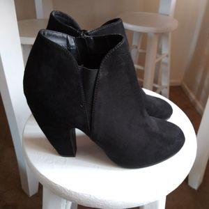"Candie""s black bootie Size 9"